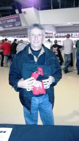 On March 15 as the Oshawa Generals took on the Kingston Frontenacs, the Oshawa Centre brought you Chuck a Puck to support the United Way Durham Region. 1st prize went to Arthur, Congratulations!