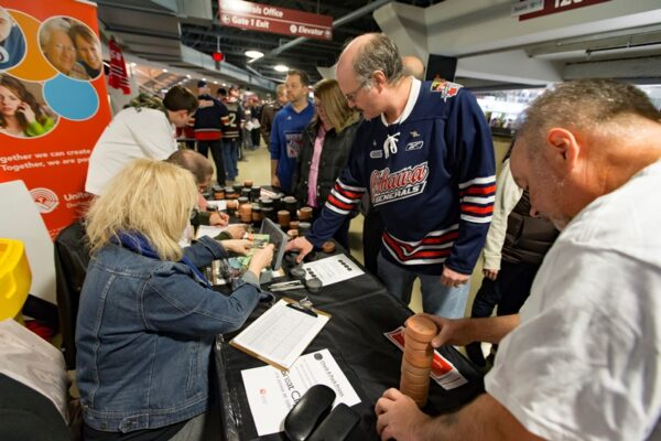 Chuck-A-Puck with Great Clips February 28, 2016 (Photo Credit: Ian Goodall/Goodall Media Inc.)