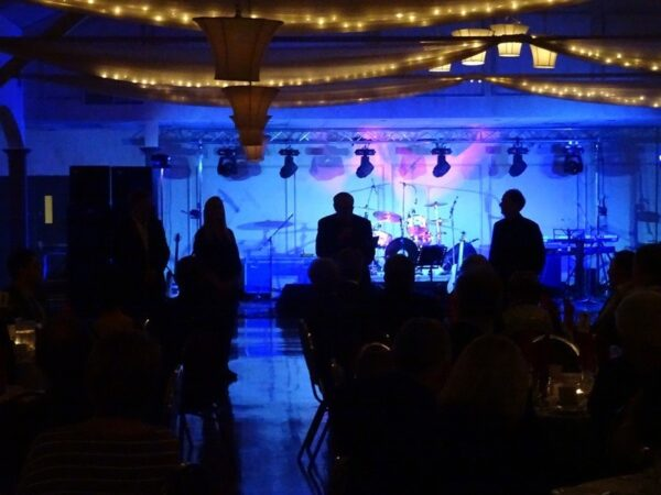 On Friday, October 23, 2015 Lovell Drugs presented the United Way 75th Anniversary Dinner and Dance at the Jubilee Pavilion. The band Par Four were fantastic, the food was great and a good time was had by all. Thank you to everyone who joined us! And a special thank you to Lovell Drugs and the Oshawa Centre for being event Sponsors!