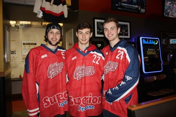Buffalo Wild Wings Oshawa and the Oshawa Generals partnered to raise money for the United Way Durham Region. It was a great night with great staff, great food, great players and great fans!
